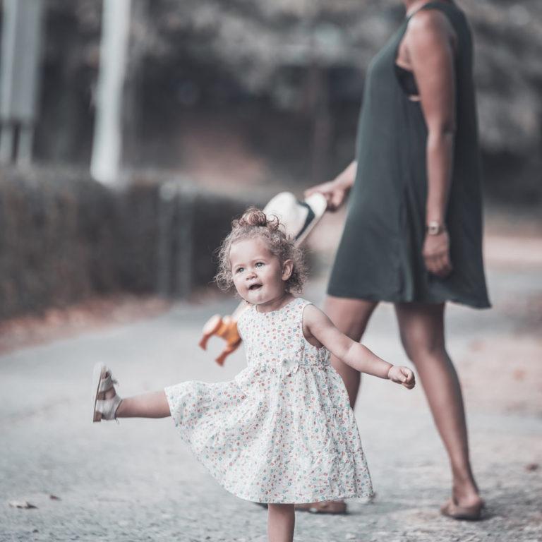 Fotograf Bottrop Familienshooting Mädchen Mama