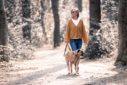 Fotograf Bottrop Stadtgarten Familienshooting Frau und Hund