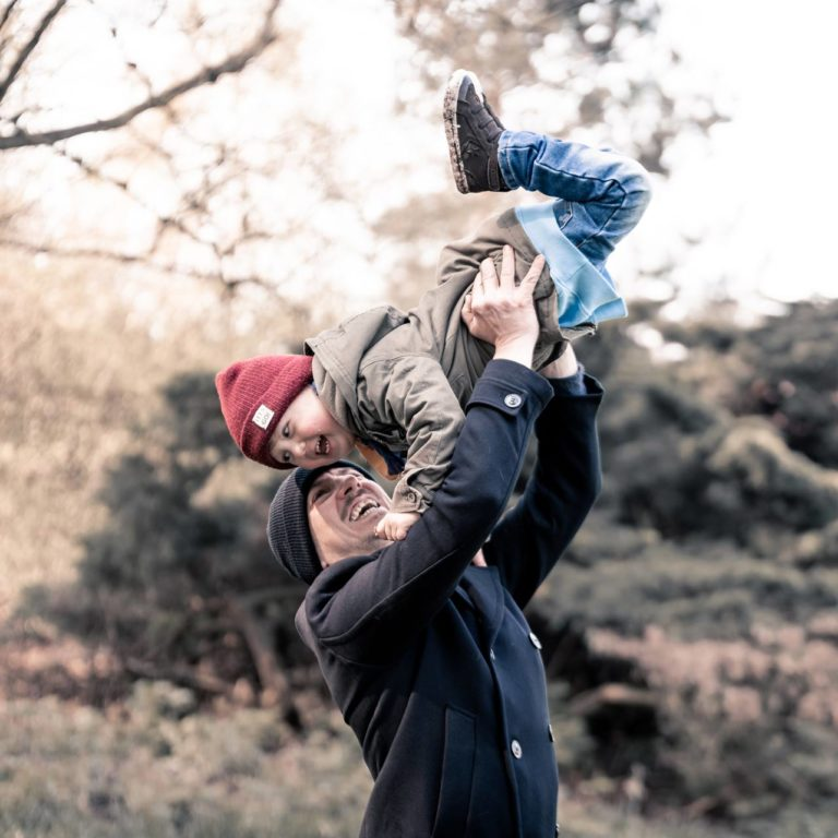 Fotograf Bottrop Stadtgarten Familienshooting Papa und Kind