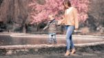 Fotograf Bottrop Stadtgarten Familienshooting Kind und Mutter